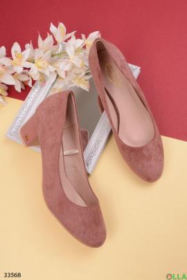 Пудровые туфли на  каблуке