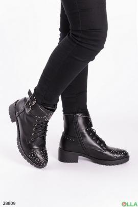 Ботинки с заклепками, зима