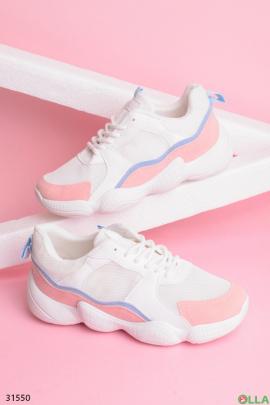 Белые кроссовки с розовыми вставками