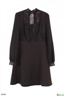 Черное платье с сеткой и гипюром