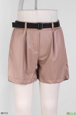 Женские бежевые шорты из эко-кожи