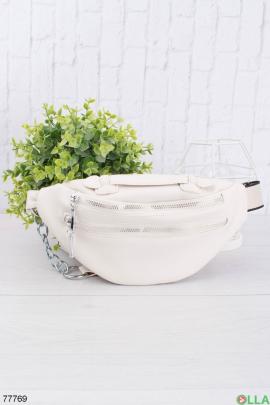 Женская белая сумка-бананка из эко-кожи