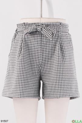 Женские черно-белые шорты