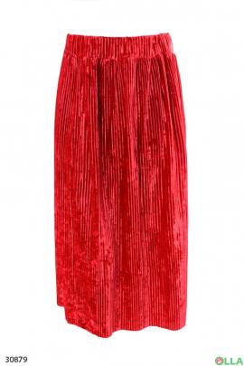 Красная юбка из велюра