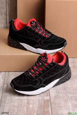 Мужские кроссовки черно-красного цвета