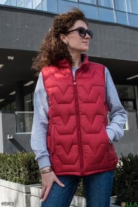 Женский красный жилет
