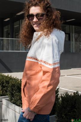 Женская бело-оранжевая ветровка с капюшоном