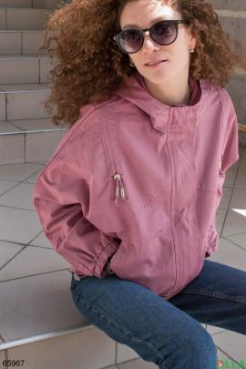 Женская розовая ветровка с капюшоном