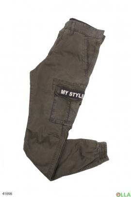Чёрные брюки с накладными карманами
