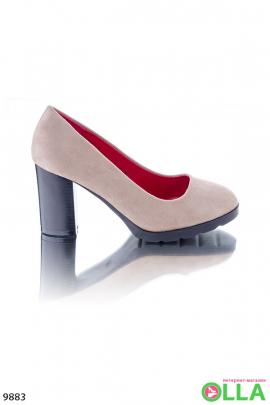 Туфли с красной стелькой