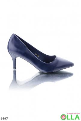 Синие туфли с заостренным носком