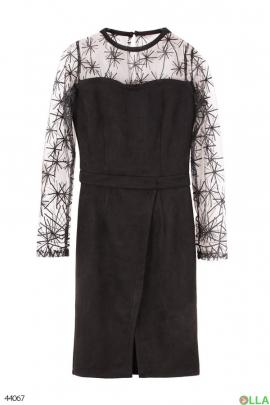Замшевое платье с рукавами-сеточкой