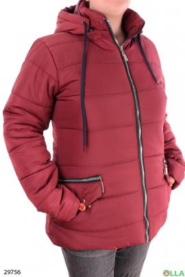 Женская куртка бордового цвета