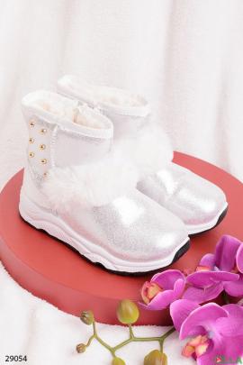 Ботинки белого цвета с напылением